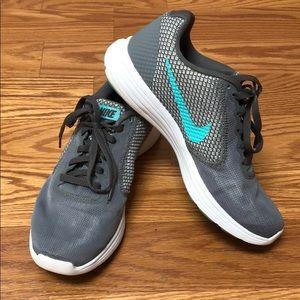 Nike Revolution 3 size 6 grey/teal running shoe